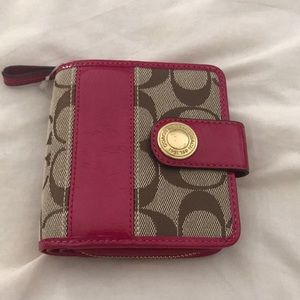 Coach Signature Wallet Tan & Pink Patent Leather